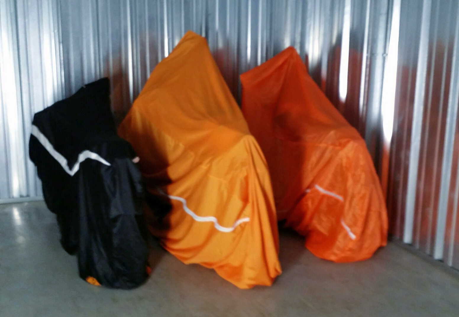 KTM_COVERS_RC8_cotton_helmet_bag_nylon_lt_wt.jpg
